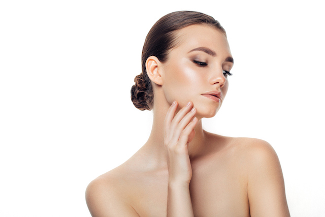 ニキビ予防 洗顔 女性 画像