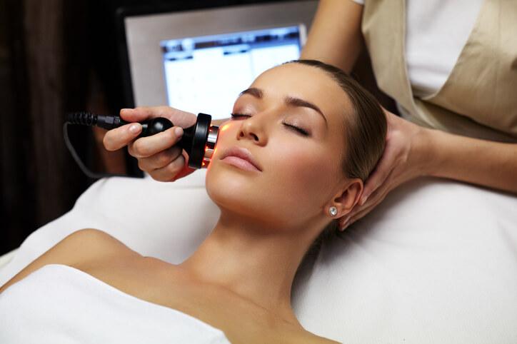 目元・目尻のシワ 改善 美容皮膚科