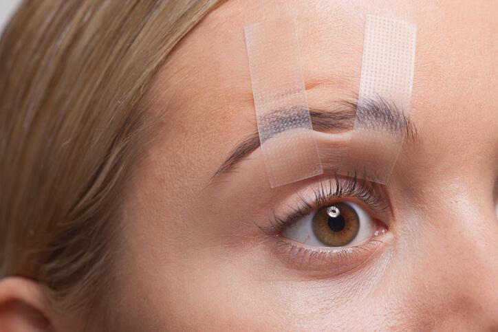 目尻 目元 シワ 予防法やテープ活用法など