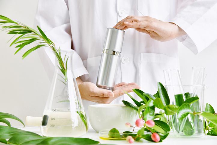 化粧水 ハトムギ 植物