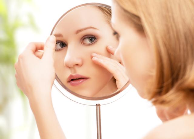 シミ しわ ビタミンC 女性 画像