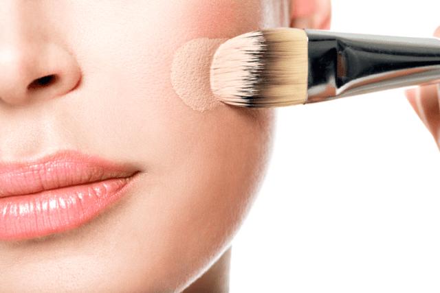 化粧残りはいちご鼻の原因に……