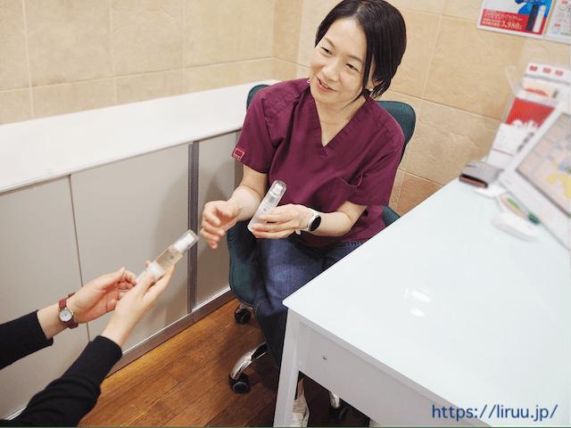 皮膚科医に聞いたほうれい線のケア方法